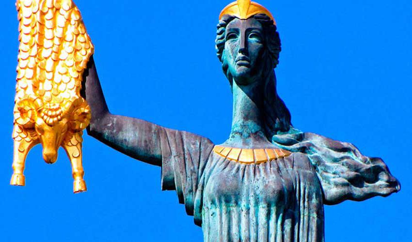 مجسمه مدیا